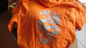 Sweatshirt mit Logo aus einer Bügelfolie